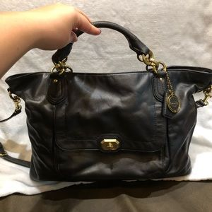 Authentic Coach tote/crossbody in black